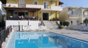 hotel-andreolas-beach